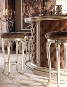 🇮🇹Made in Italy. Order NOW: 📞+971 58 808 45 25 superbiadomus@gmail.com Delivery worldwide✈️🌍 Bar Table, Stool, Luxury Kitchen, Modern Design, Bar Stools, Table, Home Decor, Country Kitchen, Classic Kitchens