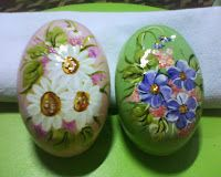 sabonetes pintados a mão você pode fazer sua encomenda!
