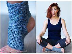 New Crochet Shoes Pattern Yoga Socks Ideas Crochet Leg Warmers, Crochet Poncho, Crochet Slippers, Crochet Shoes Pattern, Shoe Pattern, Crochet Gratis, Free Crochet, Loom Knitting Patterns, Crochet Patterns