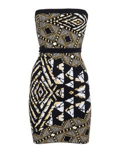 African print dress: Asymmetrical array of scales. African Inspired Fashion, African Print Fashion, Ethnic Fashion, Fashion Prints, Fashion Design, African Prints, African Attire, African Wear, African Dress