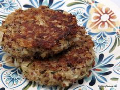 Quinoa Patties. So yummy! {Quinoa is SO good for you! It's the most nutritious of all the grains.}