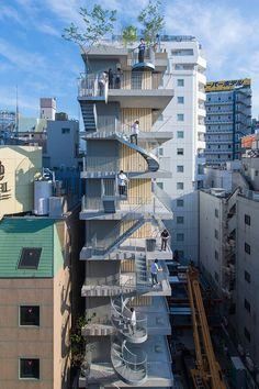 mount fuji architects studio connects 'hotel siro' in tokyo with different staircases Movement Architecture, Japan Architecture, Minimal Architecture, My Building, Building Facade, Building Design, Multi Story Building, Japan Apartment, Ryue Nishizawa