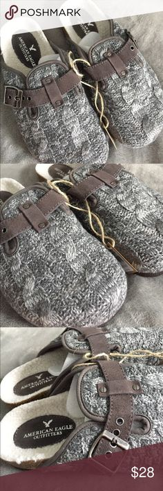 American Eagle W grey Clogs Brand new American Eagle outfitters w clogs in size 7. Perfect for Fall 🍂🍂 and Winter ☃️☃️ American Eagle Outfitters Shoes Mules & Clogs