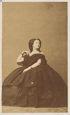 "Virginia Oldoini, Countess of Castiglione, ""L'interrogation"", presumably Photo by Pierre-Louis Pierson. Vintage Photos Women, Vintage Images, Vintage Ladies, Fine Art Prints, Framed Prints, Poster Prints, Canvas Prints, Old Pictures, Old Photos"