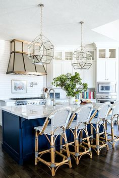 Classic Cafe Style - 28 Cool Kitchen Cabinet Colors  - Photos