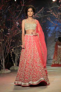 jyothsna-tiwari-india-bridal-fashion-week-021.jpg (640×960)