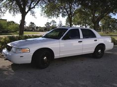 2005 Ford Crown Victoria P-71 sedan for under $4000 dollars in Florida
