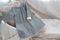 Vanskelighetsgrad: Enkel Mønster til kjolen finnes HER Når du har tegnet mønsteret kan det være... Skirts For Kids, Drops Design, Learn To Sew, Diy Clothes, Dress Skirt, Sewing Projects, Children, Tops, Dresses