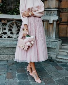 Image about love in Stylish 💖 by on We Heart It Paris Chic, Modest Fashion, Hijab Fashion, Fashion Dresses, Hijab Styles, Lady Dior, Skirt Outfits, Cute Outfits, Tule Skirt Outfit