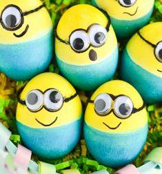 DIY Minion Easter eggs - Easter egg painting idea for kids // Minyon ( Minion ) húsvét tojás - tojásfestés gyerekeknek // Mindy - craft tutorial collection // #crafts #DIY #craftTutorial #tutorial