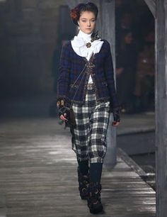 Little Welsh Quilts and other Traditions: Chanel in Scotland