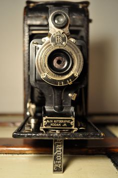 Eastman Kodak 1A Folding Autographic Camera..can't handle how beautiful this is