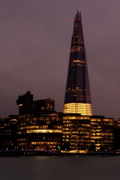 The Shard London, United Kingdom. )One of the 'eye sores' of architecture in London. THIS from a Londoner.) Eye sore or not id still want to see it London Architecture, Amazing Architecture, Art Nouveau, The Shard London, London Skyline, We Are The World, London Calling, City Photography, New Travel