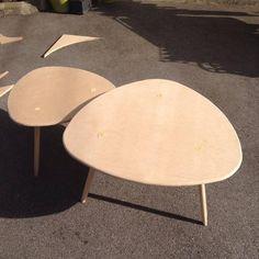 DIY - table basse tripode gigogne Building Furniture, My Furniture, Painted Furniture, Interior Design Living Room, Living Room Decor, Creation Deco, Diy Recycle, Hacks Diy, Diy For Girls