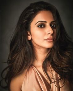 Rakul Preet Bollywood Celebrities, Bollywood Actress, Photoshoot Images, Girl Face, Woman Crush, Indian Beauty, Indian Actresses, Gorgeous Women, Trending Outfits