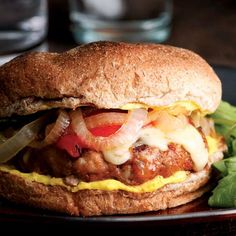 """Spanish pork burgers....don't know how """"Spanish"""" it is - but a nice departure from Hamburgers! Wild Burger, Burger Dogs, Pork Burgers, Pizza Burger, Turkey Burgers, Spanish Pork, Eating Well, Clean Eating, Healthy Hamburger Recipes"""