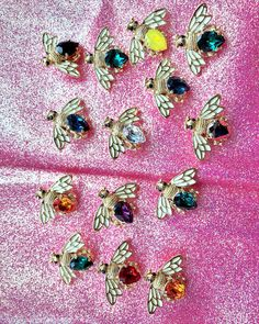 Bee Pin by TRIA ALFA created with Swarovski crystals | Chic style | Summer inspiration Chic Summer Style, Swarovski Crystals, Bee, Brooch, Create, Nature, Inspiration, Jewelry, Instagram