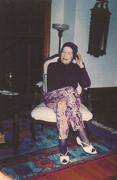 Little Edie Beale of Grey Gardens : Photo Edie Bouvier Beale, Edie Beale, Edith Bouvier, Grey Gardens House, Gray Gardens, Jacqueline Kennedy Onassis, East Hampton, Cool Costumes, The Hamptons