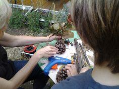 Pupazzi con pigne, legni.... Centri Estivi 2015