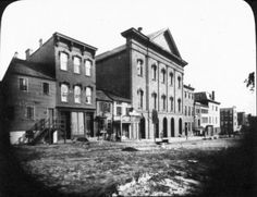 Ford's Theatre where Abraham Lincoln was assassinated April only five days after Lee's surrender. He died the next day. Historical Romance, Historical Fiction, Famous Presidents, Eye Structure, Dna Results, War Image, Actors Images, Life Pictures, History Books