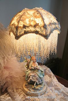You may believe that you possess certain areas of expertise in design to help you when. Antique Brass Chandelier, Antique Lamps, Vintage Lamps, Vintage Decor, Victorian Lamps, I Love Lamp, Brass Floor Lamp, Art Deco Lighting, Shabby Chic Style