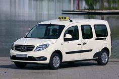 Mercedes bietet den Citan ab sofort auch mit Taxi-Ausrüstung an. Der Aufpreis für die Taxi-Umrüstung fällt erstaunlich moderat aus.