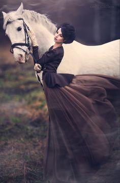 As evening fell a maiden stood