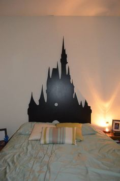 #DisneySide bedroom with Cinderella Castle Headboard and the Beauty and the Beast Enchanted Rose Lamp www.disneymomma.com