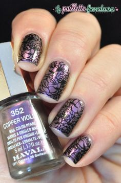 Mavala Copper Violet // Fleurs changeantes - stamping Moyou London artist collection 11 - #nail #nails #nailart http://lapaillettefrondeuse.blogspot.be