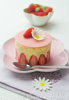 Strawberry Cake - scroll down for English version