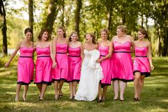 Camouflage bridesmaid dresses and bouquets ( I wanted to do this and ...
