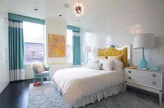 chambre ado fille au style baroque modéré blanc et turquoise