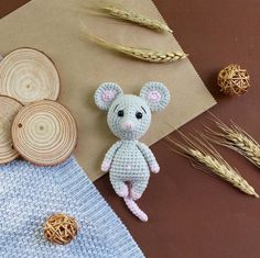 Amigurumi lovers continue to bring together beautiful models. In this article I share with you amigurumi mouse free crochet pattern. Crochet Animal Amigurumi, Crochet Mouse, Crochet Amigurumi Free Patterns, Amigurumi Doll, Crochet Animals, Free Crochet, Kawaii Crochet, Knitting Patterns, Easy Knitting Projects