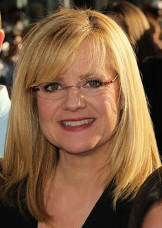 These are our favorite glasses that are not black. Use this gallery as some new glasses inspiration!: Bonnie Hunt in glasses Best Eyeglasses, Eyeglasses Frames For Women, Glasses For Your Face Shape, New Glasses, Bonnie Hunter, Beauty Hacks For Teens, Attractive Eyes, Hairstyles With Glasses, Grace Beauty