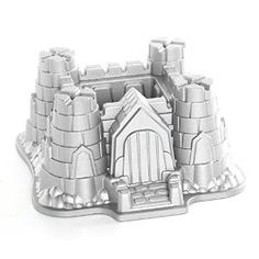 Be the King of the castle with this brilliant bundt tin from Nordic Ware