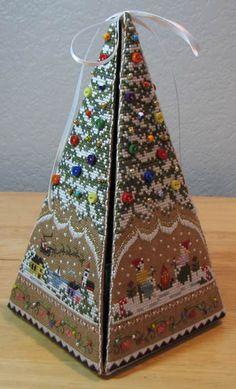 Victoria Sampler Gingerbread Tree Etui