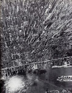 Aerial view of Midtown Manhattan, looking west from East River Andreas Feininger (The Face of New York, Crown Publishers) 1944