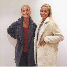 Her er jakken alle snakker om i begge farger VMMerry veil.pris 599,95 #inlove #lovethisjacket #jacket #autumn #veromoda #cool #teddy