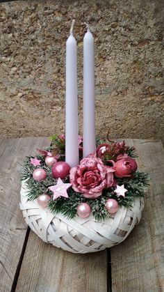 Christmas Swags, Christmas Tree Crafts, Xmas Wreaths, Christmas Villages, Pink Christmas, Rustic Christmas, Christmas Projects, Winter Christmas, Christmas Time