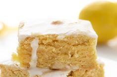Lemon Brownies are dessert bars that are dense and moist with a lemony flavor and topped with a vanilla or lemon-flavored glaze. Lemon Recipes, Lemon Desserts, Just Desserts, Sweet Recipes, Delicious Desserts, Yummy Food, French Recipes, Bar Recipes, Dessert Recipes