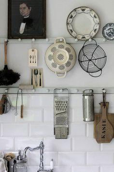 Home Decor Inspiration .Home Decor Inspiration Kitchen Interior, Kitchen Decor, Kitchen Design, Kitchen Storage, Wall Storage, Storage Ideas, Kitchen Organization, Kitchen Display, Creative Storage