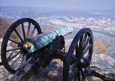 Chattanooga - Battle above the clouds. The smoke was so heavy they couldn't see who they were shooting at!