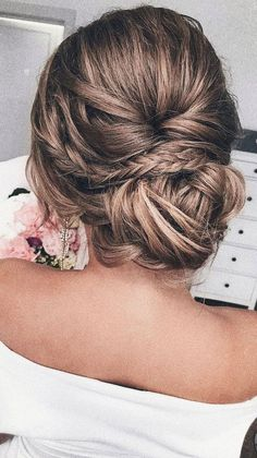 Gorgeous & Super-Chic Hairstyle That's Breathtaking Unique updo hairstyle,simple updo,low bun wedding hair,fishtail braid updo, messy updo bridal hair Low Bun Wedding Hair, Bridal Hair Updo, Simple Wedding Hairstyles, Chic Hairstyles, Box Braids Hairstyles, Wedding Hair And Makeup, Simple Wedding Updo, Updos With Braids, Chignon Updo Wedding