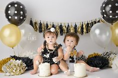 Amanda Dams Photography - Cake Smash Twins black, white and gold