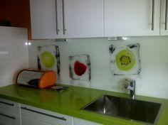 Die gute Laune-Retro-Küche - Fertiggestellte Küchen - Bauformat Cube 130 Rhodos Hochglanz weiß