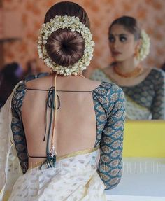 30 Best Floral Bridal Bun Hairstyles For This Wedding Season! 30 Best Floral Bridal Bun Hairstyles For This Wedding Season! Indian Blouse Designs, Blouse Back Neck Designs, Indian Bridal Hairstyles, Flower Girl Hairstyles, Bun Hairstyles, Wedding Hairstyles, Trendy Hairstyles, Bridal Hairstyle For Reception, Saree Wedding