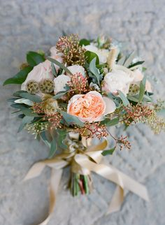 Wedding Bouquet - photography by Jose Villa #weddingbouquet #weddinginTuscany #countrywedding