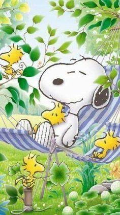 Primeiro mês do início da primavera, mês do renascer, do florescer e do despertar. Mais ...