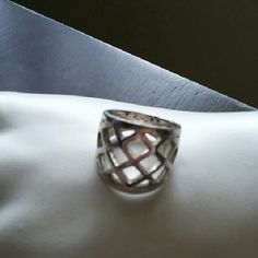 Lattice pattern sterling ring Ring new with out tags Jewelry Rings