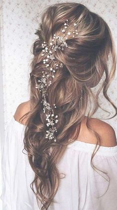 Trendy wedding hairstyles wavy half up curls Ideas Bridal Hair Vine, Wedding Hair Vine, Half Up Half Down Wedding Hair, Wedding Hair Curls, Fall Wedding Hair, Boho Bridal Hair, Bridal Braids, Bridal Beauty, Bridal Hair Half Up With Veil